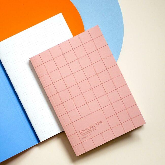 Notes w kropki różowy Bauhaus